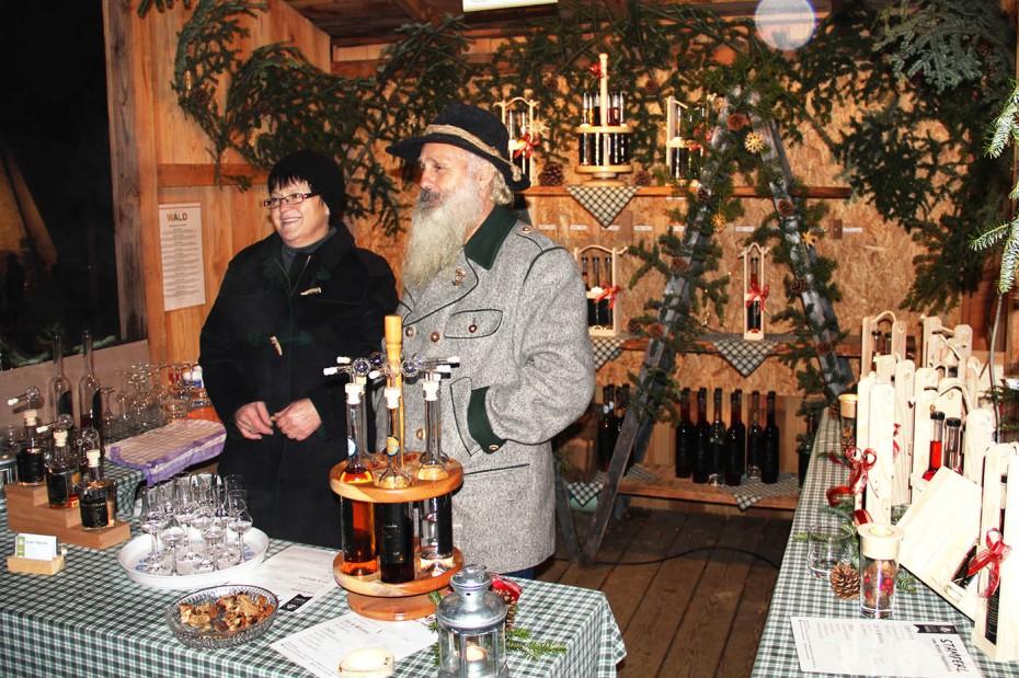 Weihnachten im Wald_Pabneukrichen_Schnaps_Thauerboeck_Biohof